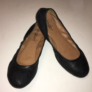 LUCKY black leather ballet flats